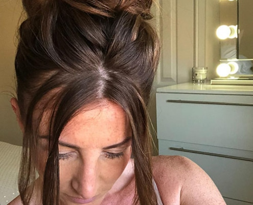 5 easy steps to a glamourous mum bun